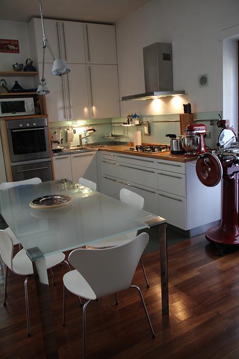 Cucine Con Lavandino Sotto Finestra: Archivio di Immagini ...